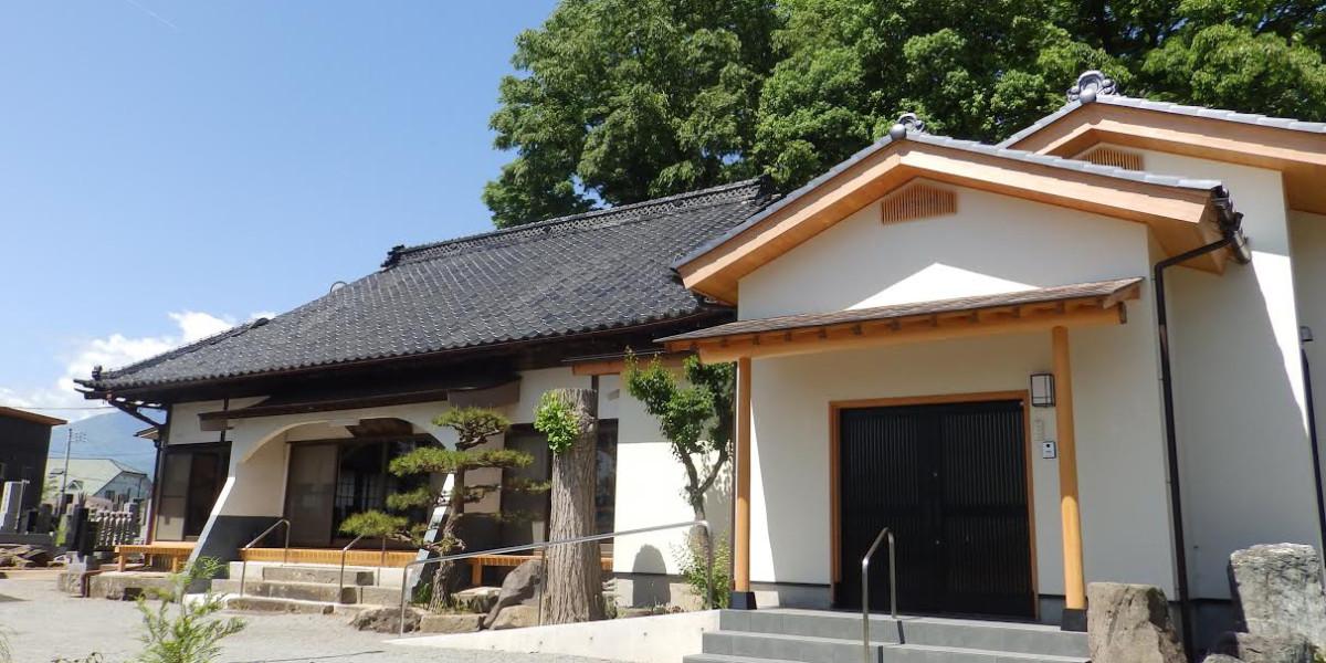 本堂へと繋ぐ、客人をもてなす寺院客間
